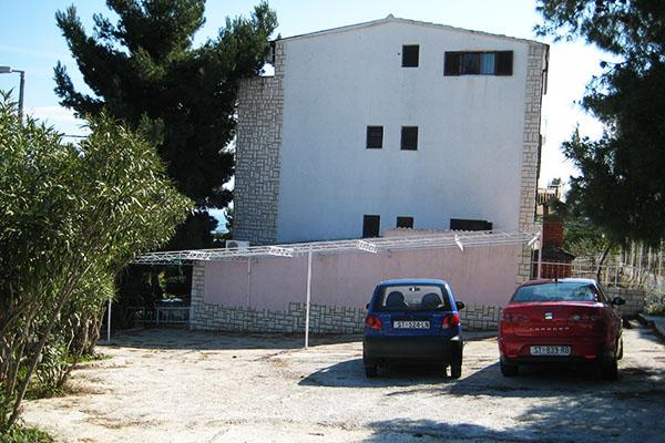 Photo 3 - Lucija Apartments Okrug Gornji