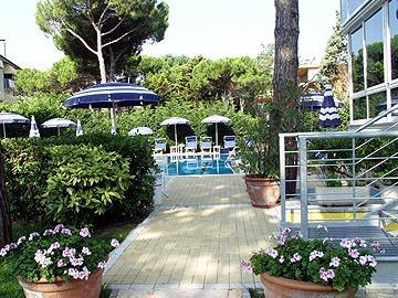 Photo 2 - Aparthotel Harvey Jesolo